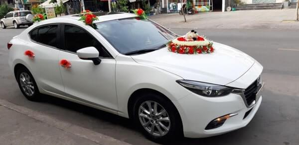 Thuê xe hoa Mazda 3 sang trọng giá rẻ