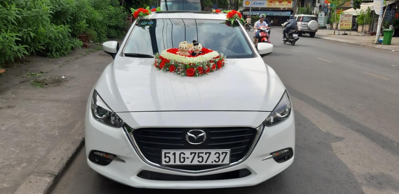 Cho thuê xe hoa Mazda 3 đời mới